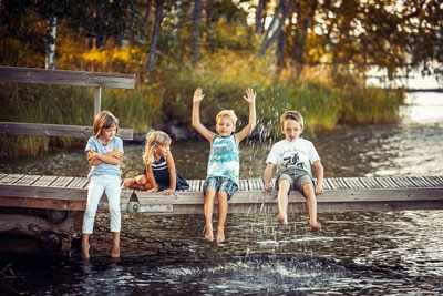 Чем занять ребенка на летних каникулах в городе