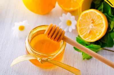 Как избавиться от черных точек на лице с помощью лимона и меда