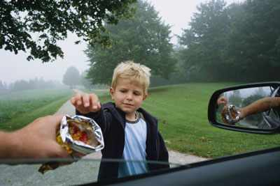 Как научить детей не общаться с незнакомцами 2