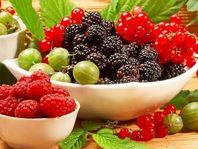 убрать веснушки с помощью ягод