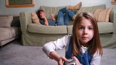 Каких нянь не стоит выбирать в семью