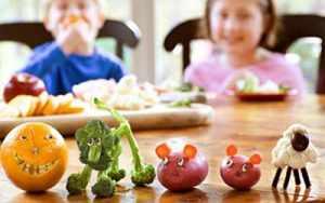 дети с удовольствием едят овощи 2