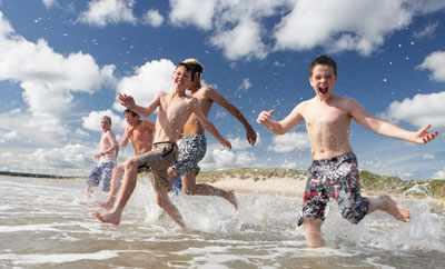 во что поиграть на пляже