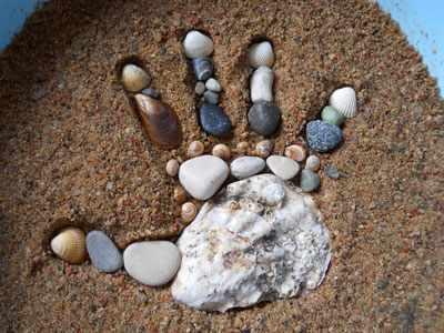 игры с детьми на галечном пляже