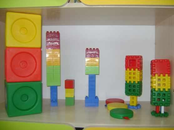Макеты светофора, выполненные из различных конструкторов